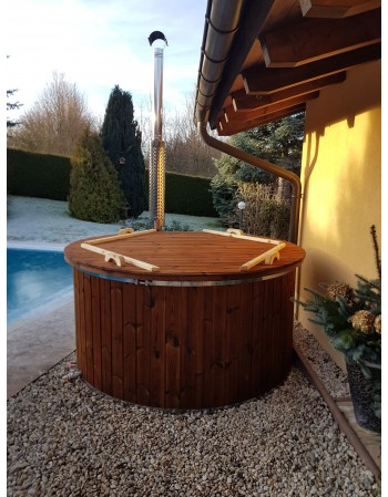 1,82 m Fiberglass tub with integrated stove