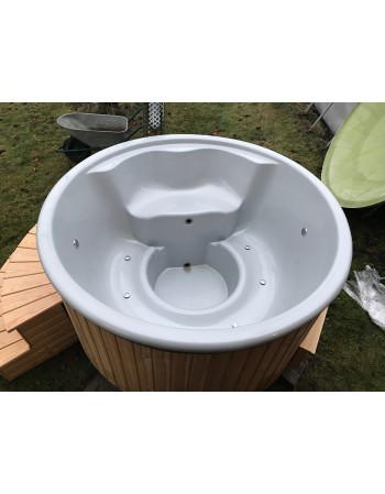 ROYAL WELLNESS tub with larch trim 1,8 m