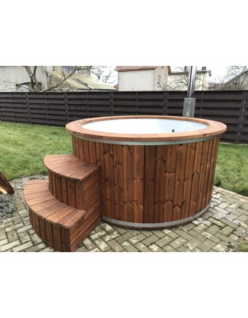 Outdoor fiberglass hot tub 1,82 m