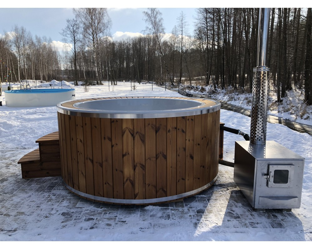 190cm hot tub with overflow system!!!