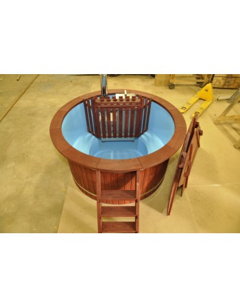 180cm painted plastic hot tub with spruce trim