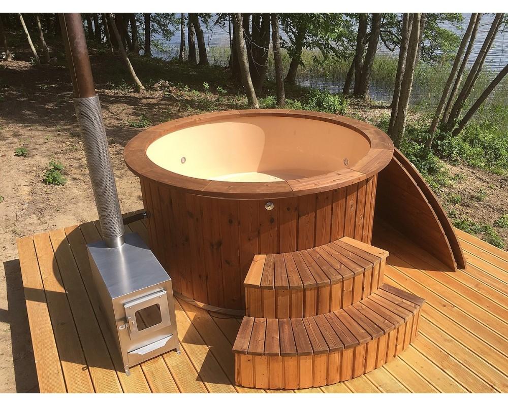Hot tub with fibreglass frame and wooden trim 1,82 m