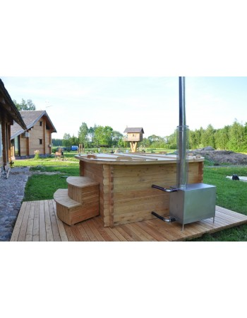 PP hot tub square shape with larch trim